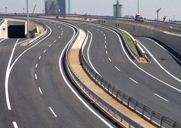 Scavi, movimento terra e pavimentazione stradale per Pontexpo